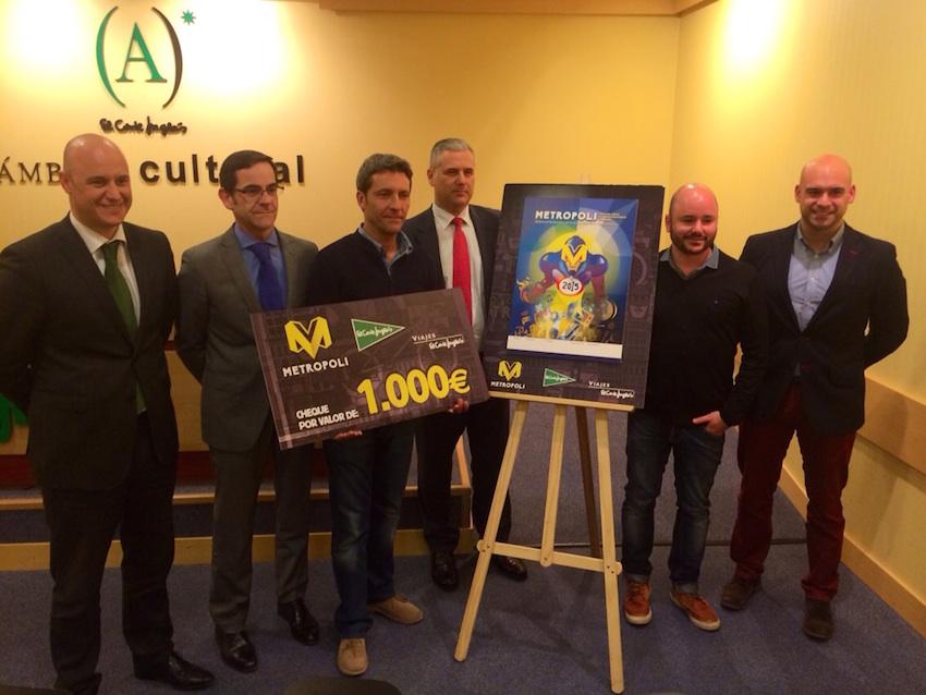 El ganador del concurso y cheque de 1.000 €